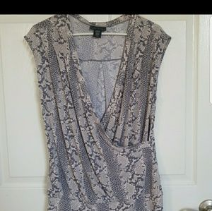 Ladies apostrophe crossover top large